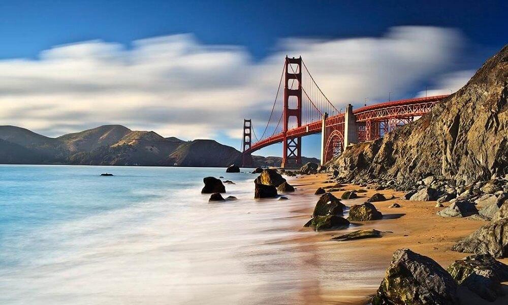 Cầu Cổng Vàng bắc qua Vịnh San Fracisco